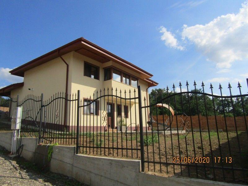 Casa nou de vanzare, 4 camere   Barnova -3