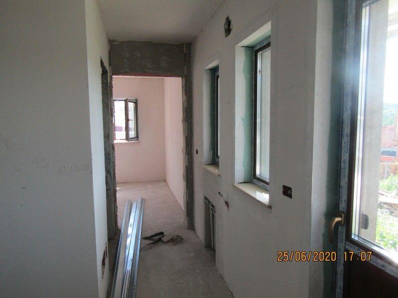 Casa nou de vanzare, 4 camere   Barnova -9