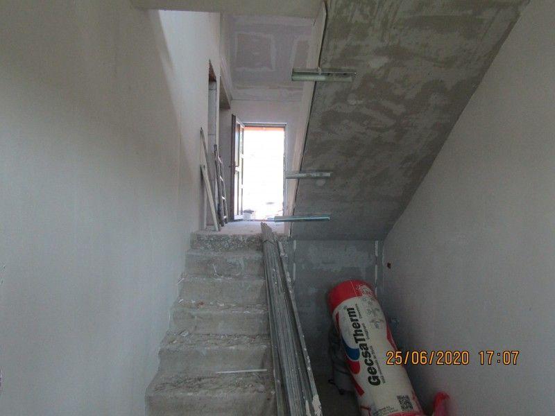 Casa nou de vanzare, 4 camere   Barnova -11