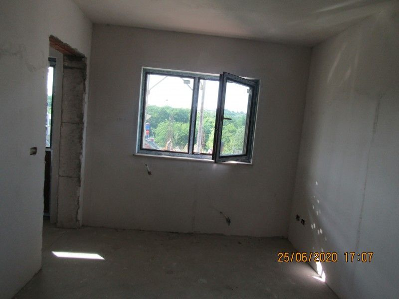 Casa nou de vanzare, 4 camere   Barnova -13
