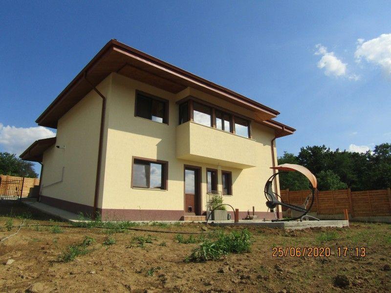 Casa nou de vanzare, 4 camere   Barnova -14