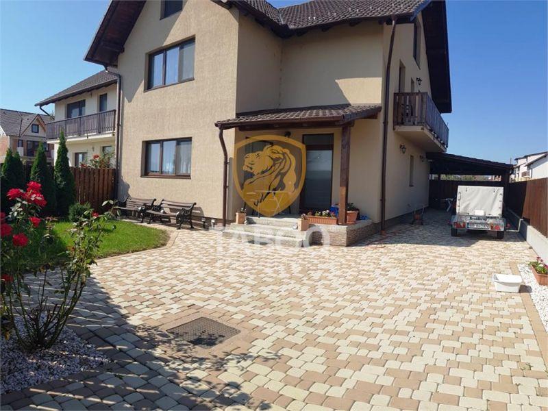 Casa singur in curte la cheie mobilata si utilata de vanzare in Sibiu-1