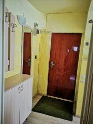 Dau în chirie sau vând apartament, etajul1