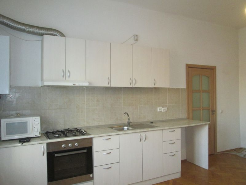 De iinchiriat apartament 2 camere ultracentral.-2
