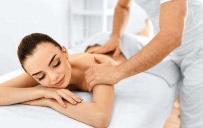 Efectuez masaj relaxare la domiciliul clientului