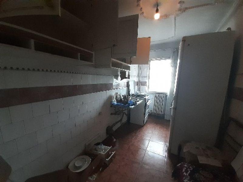 Frumoasa apartament 2 camere decomandat 60 mp cu CT-3