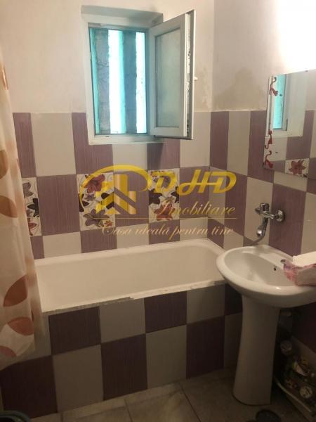 In Iasi apartament cu 2 camere - Tatarasi  ideal pentru investitii-3
