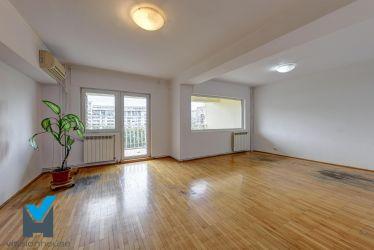 Inchiriere apartament 4 camere Unirii - BRD Bank
