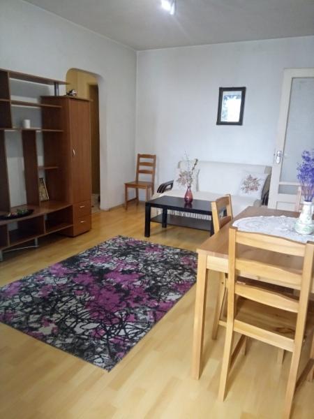 Inchiriez apartament 2 camere Stefan cel Mare-1