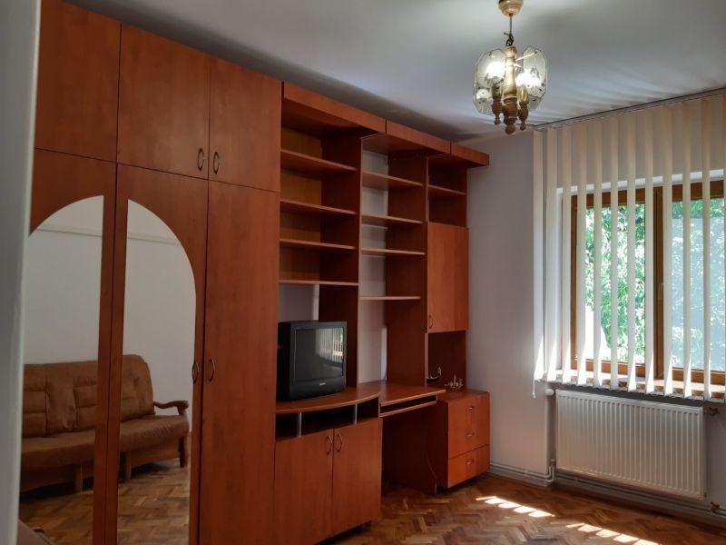 Inchiriez apartament 2 camere, ultracentral, ideal firma-2