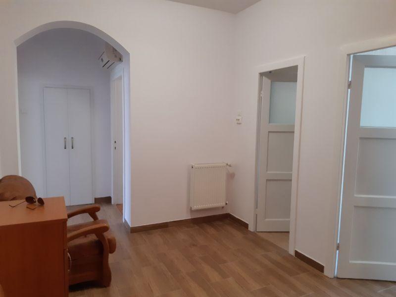 Inchiriez apartament 2 camere, ultracentral, ideal firma-9