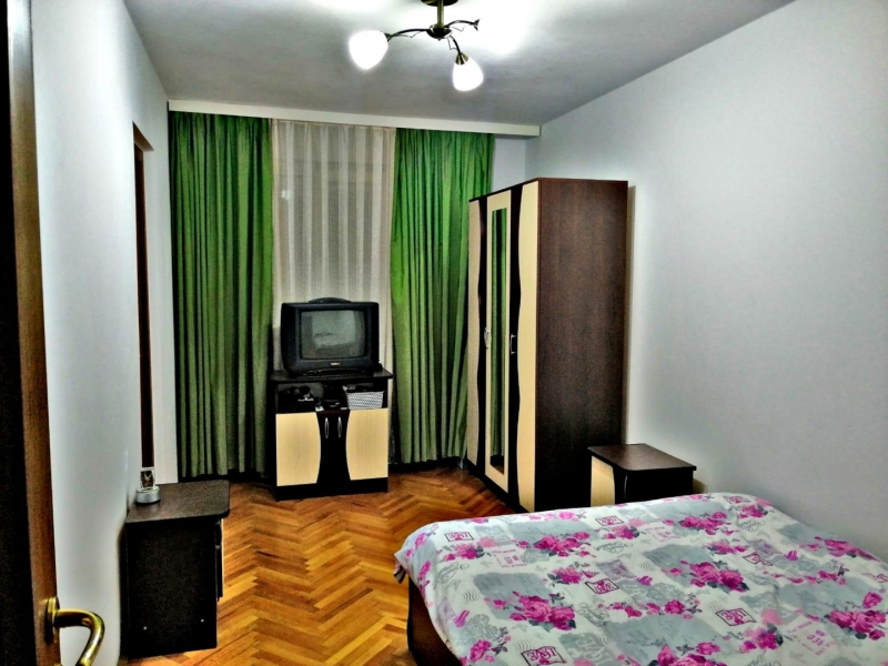 Inchiriez apartament-1