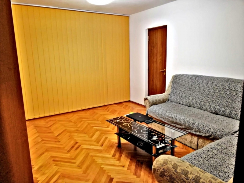 Inchiriez apartament-4