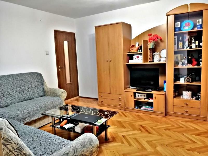 Inchiriez apartament-9