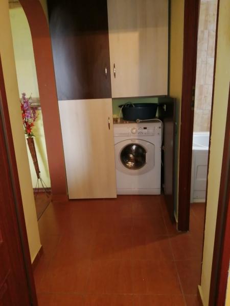 Închiriez apartament 3 camere -3