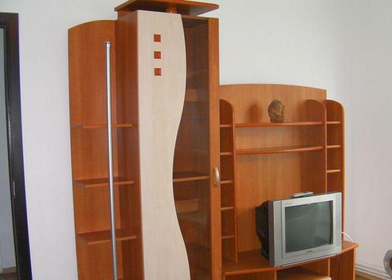 inchiriez apartament 3 camere Brasov Saturn 5-4