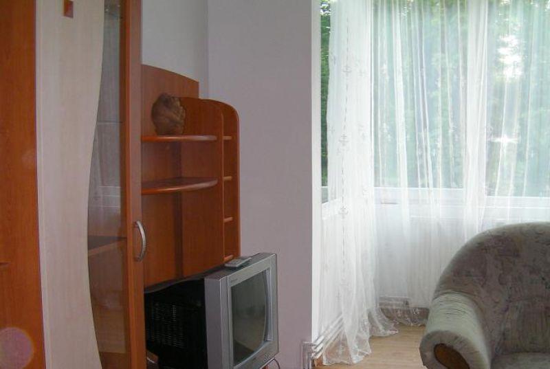 inchiriez apartament 3 camere Brasov Saturn 5-7