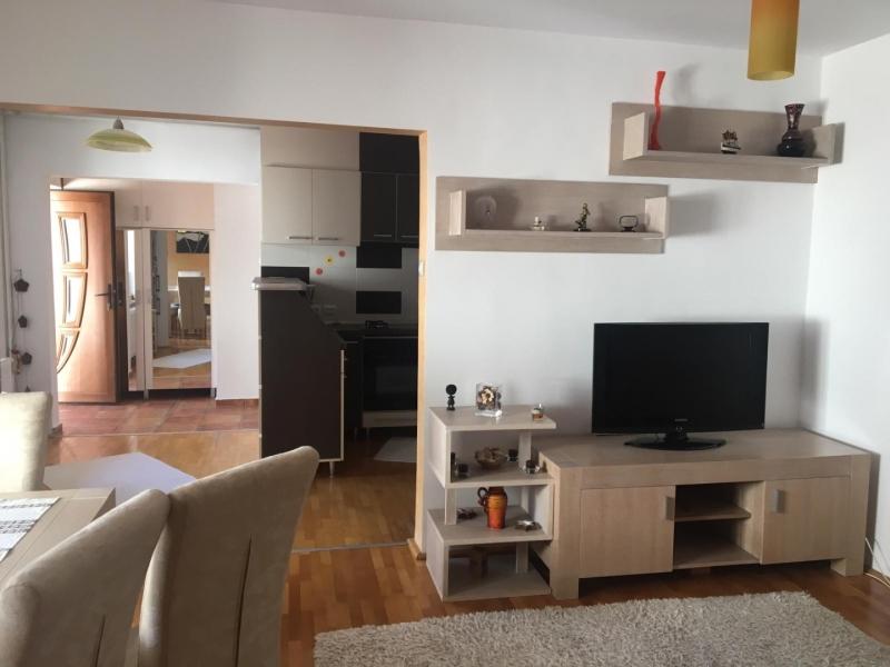 Inchiriez apartament 3 camere in casa-2