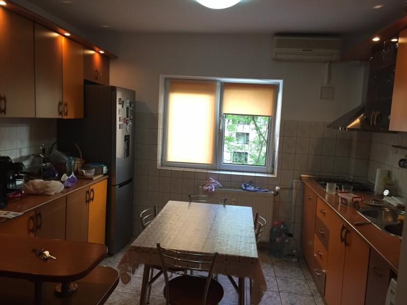 inchiriez apartament 3 camere zona vitan mall-1