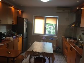 Inchiriez apartament 3 camere zona vitan mall