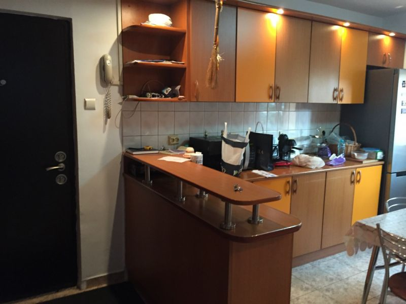 inchiriez apartament 3 camere zona vitan mall-3