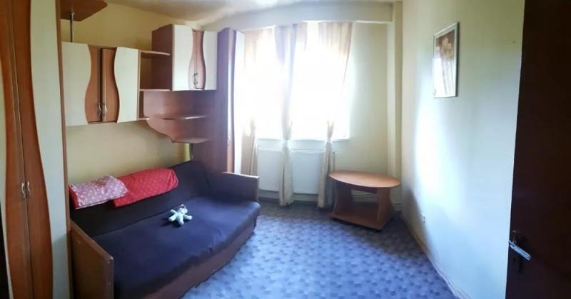 Inchiriez apartament 4 camere, etaj 1, zona Vasile Aaron-3