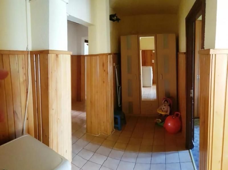 Inchiriez apartament 4 camere, etaj 1, zona Vasile Aaron-4