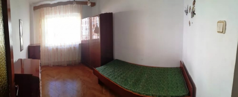 Inchiriez apartament 4 camere, etaj 1, zona Vasile Aaron-7