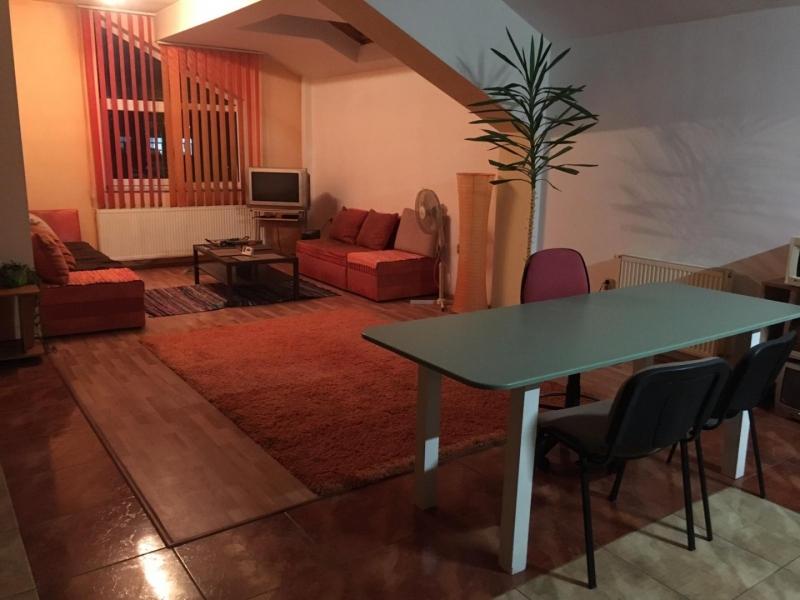 Inchiriez  apartament cu 2 dormitoare pentru UNTOLD-4