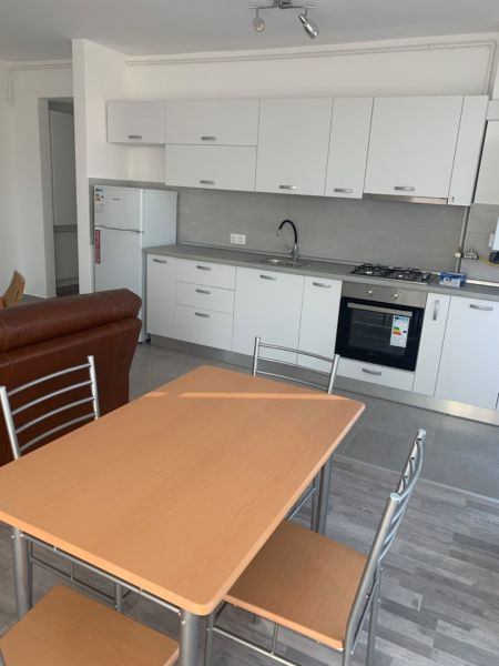 Închiriez apartament in Brasov 3 camere Avantgarden -1