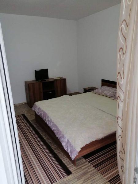 Inchiriez apartamente cu 2-3 camere în regim hotelier,80-100ron/noapte-4