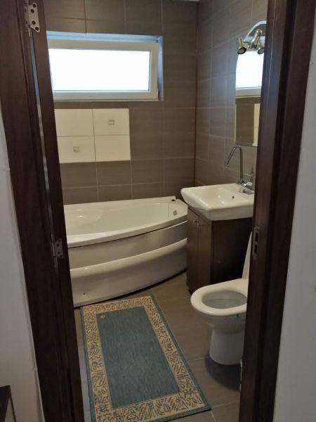 Inchiriez apartamente cu 2-3 camere în regim hotelier,80-100ron/noapte-8