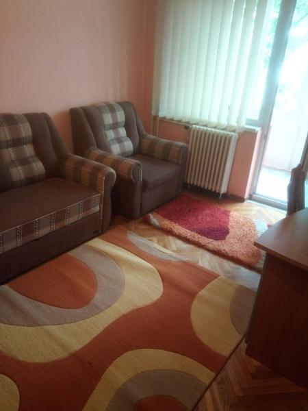 Inchiriez in Cluj apartament cu 2 camere decomandate-1