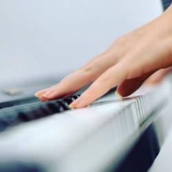 Lectii muzicale de Canto si Pian
