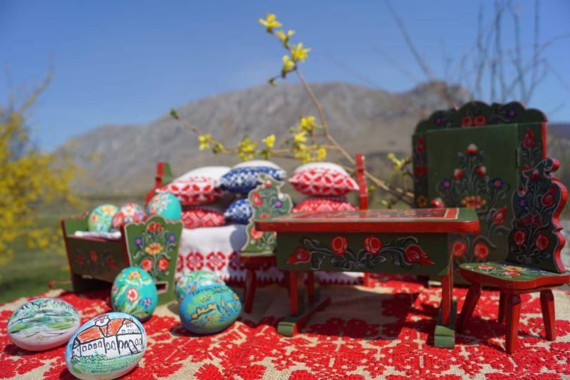 Mobiler miniatura plus oua din lemn pictate de mana zona Rimetea-10