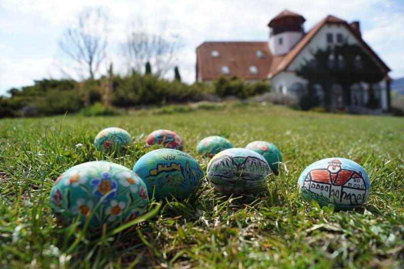 Mobiler miniatura plus oua din lemn pictate de mana zona Rimetea-18