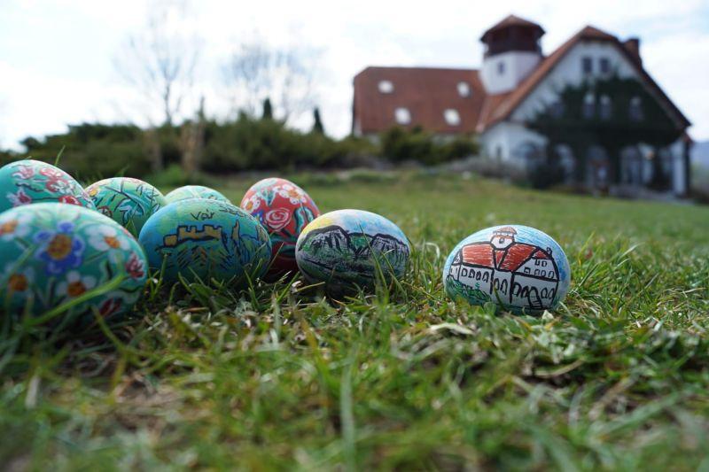 Mobiler miniatura plus oua din lemn pictate de mana zona Rimetea-24