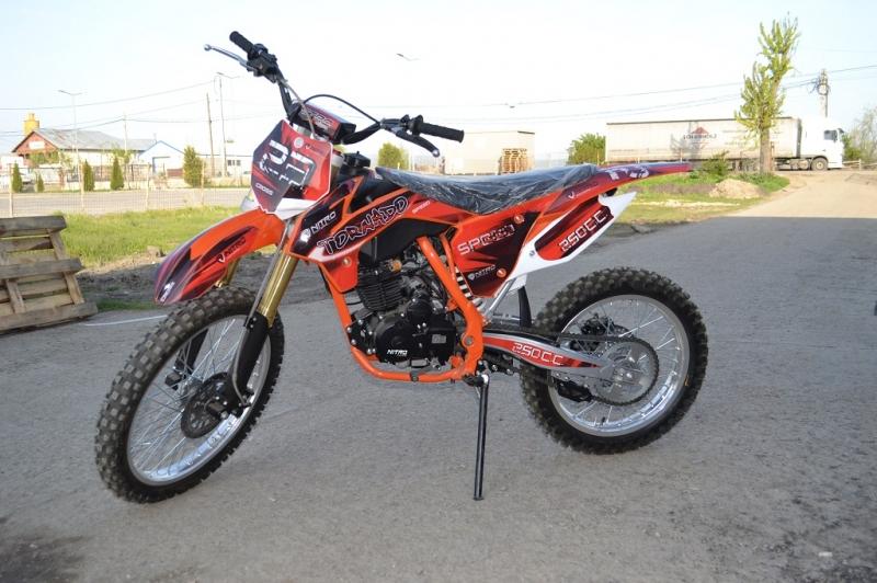 Moto Cross Nitro TORNADO 250cc-1