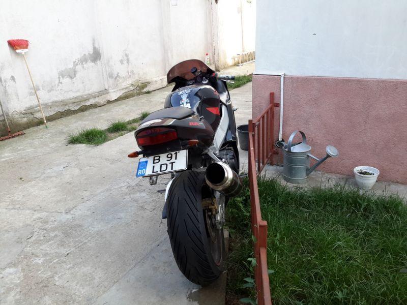 Motocicleta sport Honda 929 CBR -5