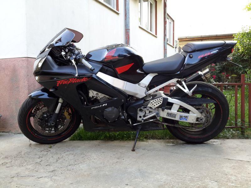 Motocicleta sport Honda 929 CBR -1