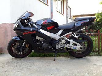 Motocicleta sport Honda 929 CBR