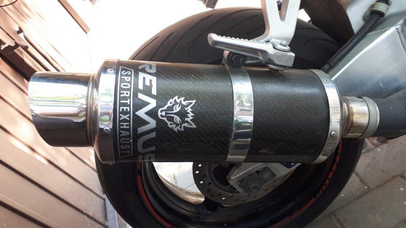 Motocicleta sport Honda 929 CBR -6