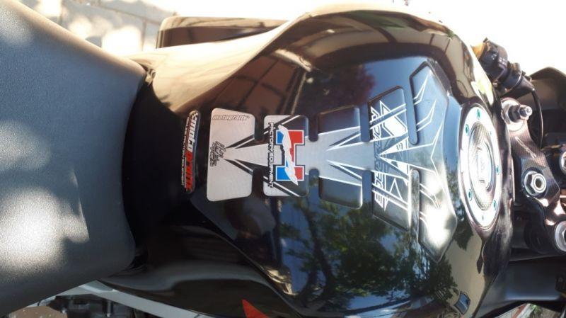 Motocicleta sport Honda 929 CBR -7