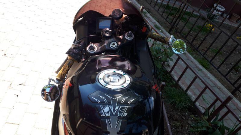 Motocicleta sport Honda 929 CBR -8