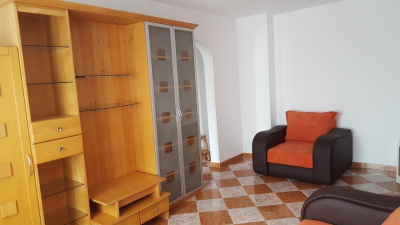 Ofer spre inchiriere apartament 3 camere, zona Obor/ Mosilor-1