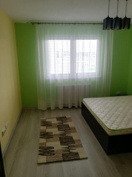 PF închiriez apartament cu trei camere Cluj-5