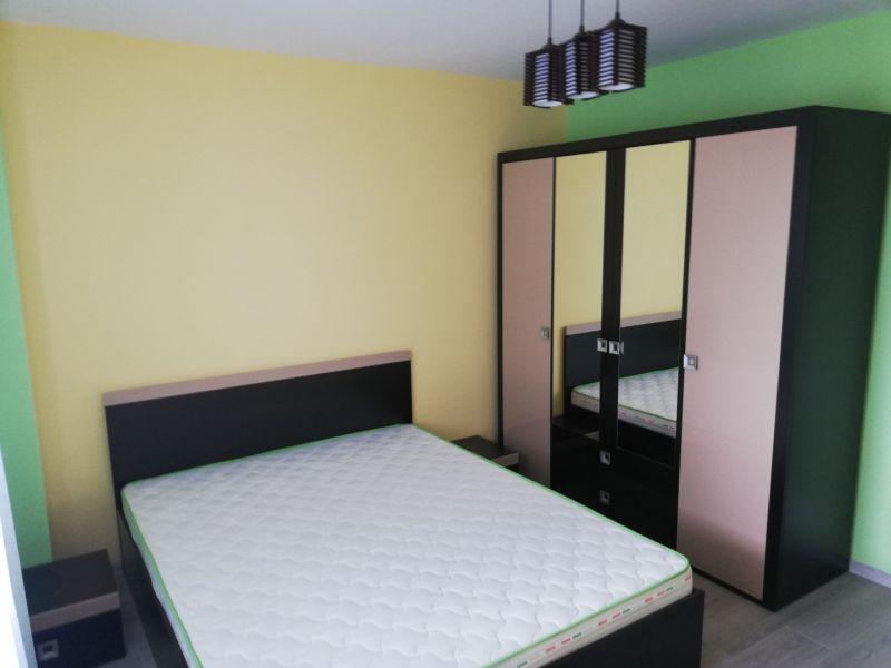 PF închiriez apartament cu trei camere Cluj-8