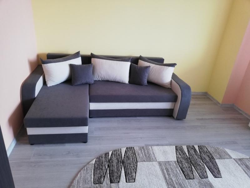 PF închiriez apartament cu trei camere Cluj-1