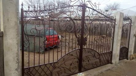 Porți fier forjat,balustrade, scări