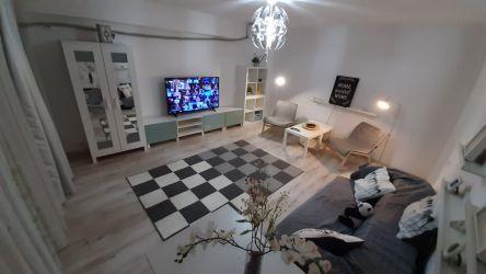 Propietar inchiriez apartament cu 2 camere de lux